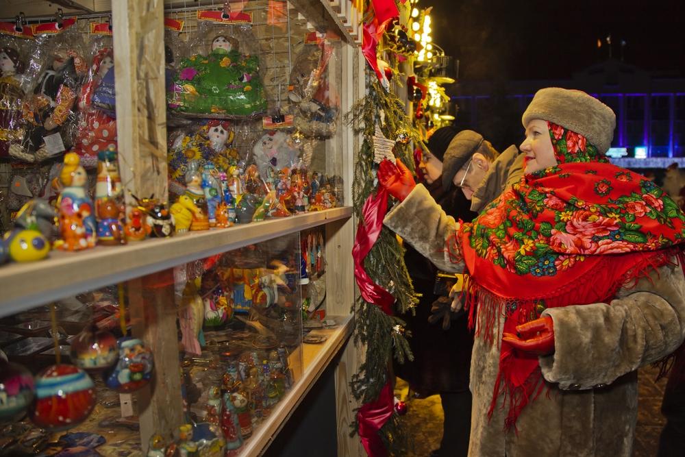 Парад Дедов Морозов и Снегурочек в Одинцово