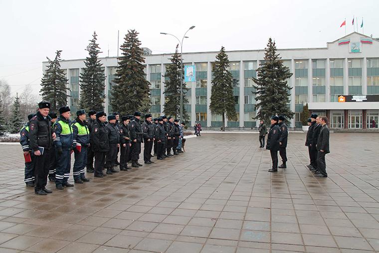 Развод ГИБДД на Центральной площади