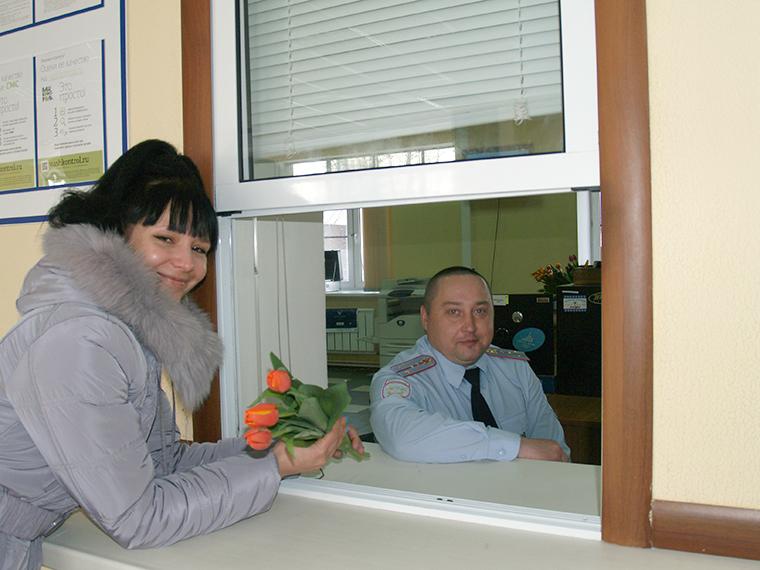 Цветы женщинам на 8 марта