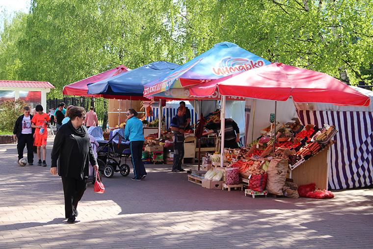 Торговля фруктами и овощами